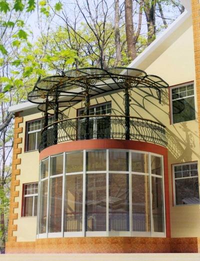 Варианты навесных балконов к дому