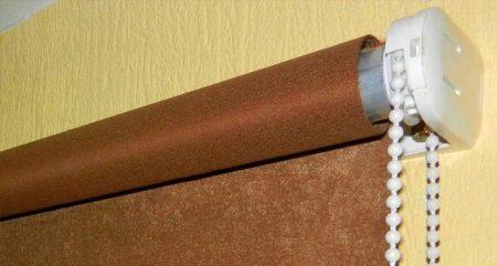 Механизм для рулонных штор (19 фото): устройство рулонной жалюзи с пружинным и цепочным механизмами подъема