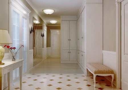 In Einer Art Und Weise Ungewöhnlicher Design Techniken, Beispielsweise Eine  Kombination Von Fliesen Und Laminat. Diese Lösung Ist Vor Allem Für Die  Halle ...