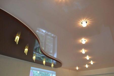 Двухуровневые потолки из гипсокартона для гостиной (43 фото): 2-х уровневый потолок с подсветкой, идеи 2018 и примеры в интерьере