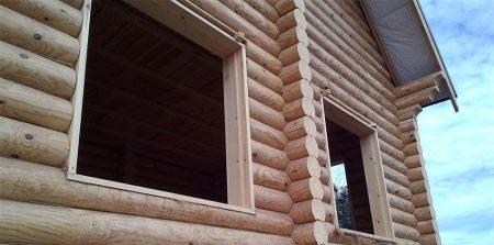 Установка окон в деревянном доме (50 фото): монтаж стеклопакетов и замена оконного стекла в брусовом строении