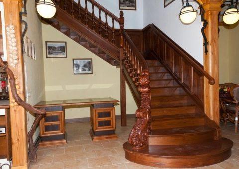 Лестницы из дуба (40 фото): деревянные ступени из массива ...
