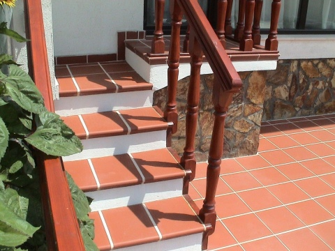 Плитка для уличных ступеней (53 фото): резиновая продукция для ...