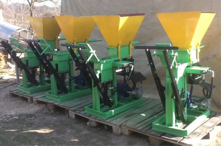 Оборудование - станок для производства лего кирпича
