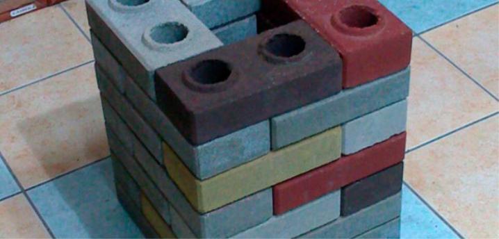 Кирпич лего разных цветов