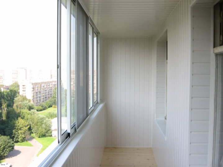Обшить балкон (65 фото): чем изнутри и снаружи обшивают, пла.