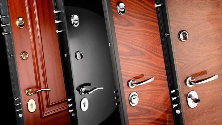 Установка металлических входных дверей в квартире или доме своими руками