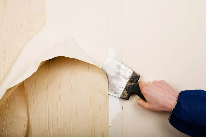 How to Remove Wallpaper with Vinegar  eHow