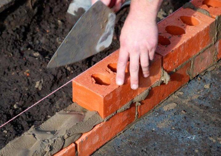 Какой кирпич для кладки стен