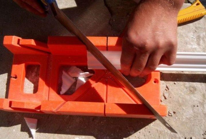 шаблон для резки углов плинтуса