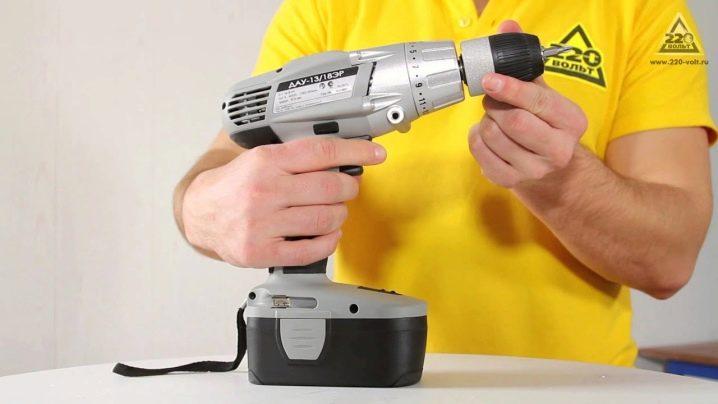 Шуруповерт Интерскол ТОП-10 моделей и как выбрать аккумуляторный и сетевой прибор технические характеристики и отзывы владельцев