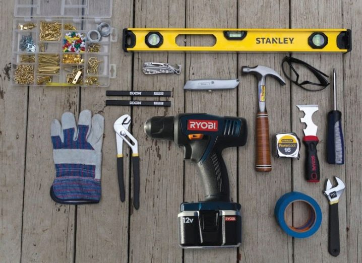 Какие бывают слесарные инструменты?   Слесарный инструмент ( фото): выбор слесарно-монтажных ручных инструментов. Особенности измерительных инструментов для слесарных работ и других видов. Требования безопасности