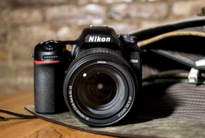 недорогие зеркалки для начинающих фотографов дали модель тест